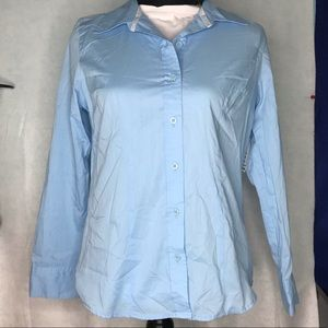 Woman's Fitted Button Up Blouse